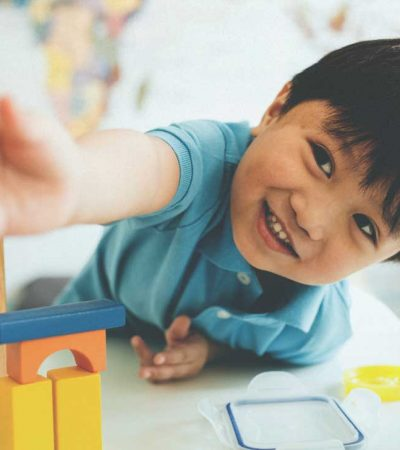 Do children learn better alone or in groups?
