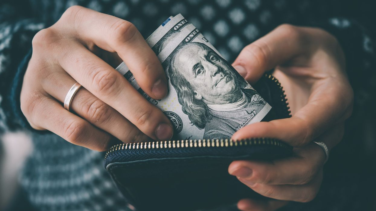 12 Habits that Save you Money and Stress